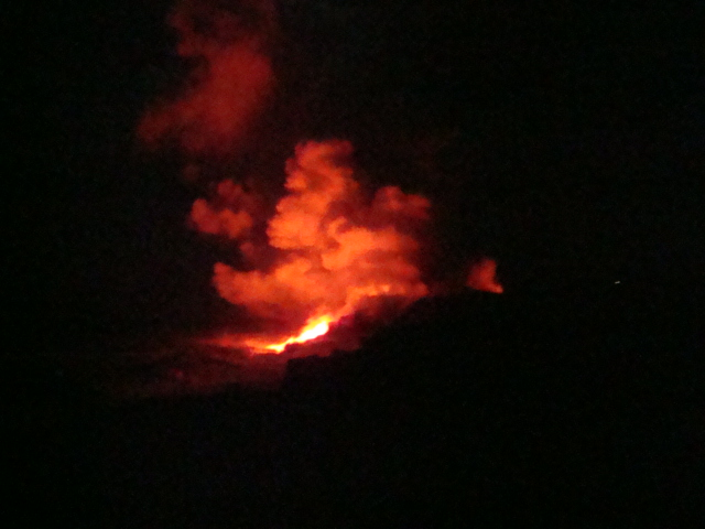 Lava Flow on the Big Island of Hawaii, lava flow, lava flow at night