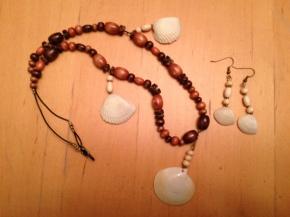 Making Simple SeashellJewelry